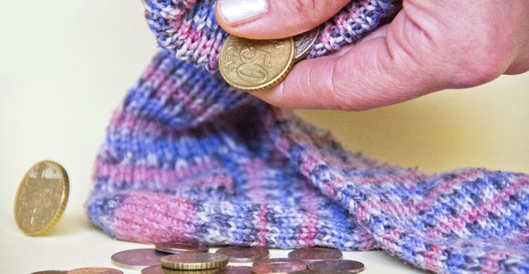 Gesetzlichen Rentenversicherung: Probleme und Lösungen. Ist der Sparstrumpf die einzige Loesung fuer einen finanziell abgesicherten Lebensabend?