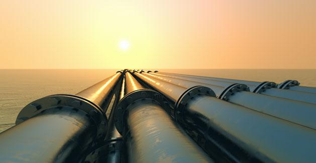 Gas wird durch Pipelines zu den ueberregionalen Verteilern transportiert.