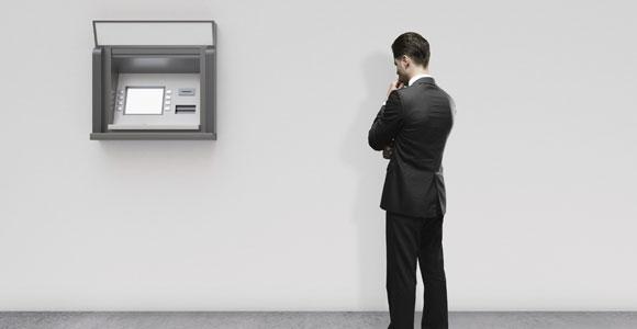 Wurde das Konto gesperrt, nutzt auch der Gang zum Geldautomat nichts mehr.