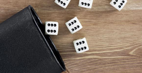Wie willkürlich ist die Vergabe des Schufa-Scores? Da das Berechnungsverfahren geheim ist, können Verbraucher das kaum beurteilen.
