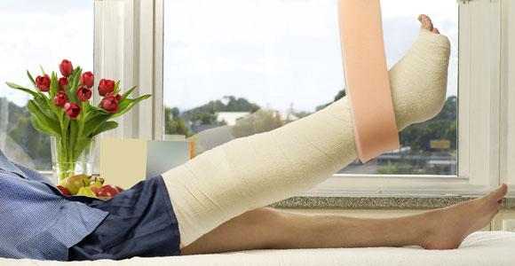 Wie geht es nach einem Unfall im Beruf weiter? Kann eine Unfallversicherung die entstehenden Kosten abdecken?