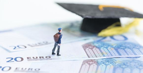 Bafög, Unterhalt, Kindergeld – worauf habe ich Anspruch?. Welche finanziellen Unterstuetzungen stehen einem als Student zu?