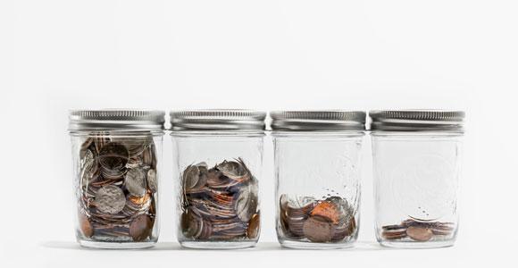 Die Ersparnisse verlieren immer mehr an Wert. Schuld ist der Niedrigzins der EZB.