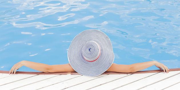 Recht auf Urlaub –  was Arbeitnehmer wissen müssen. Laut Gesetz stehen jedem Arbeitnehmer pro Jahr mindestens vier Wochen Erholungsurlaub zu.