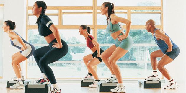 Zusatzleistungen vom Arbeitgeber verfehlen oft ihr Ziel. Fitnessangebote sind Zusatzleistungen, die viele Arbeitnehmer gerne nutzen.