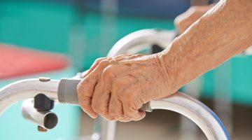 Altersarmut: Kostenfalle private Krankenversicherung