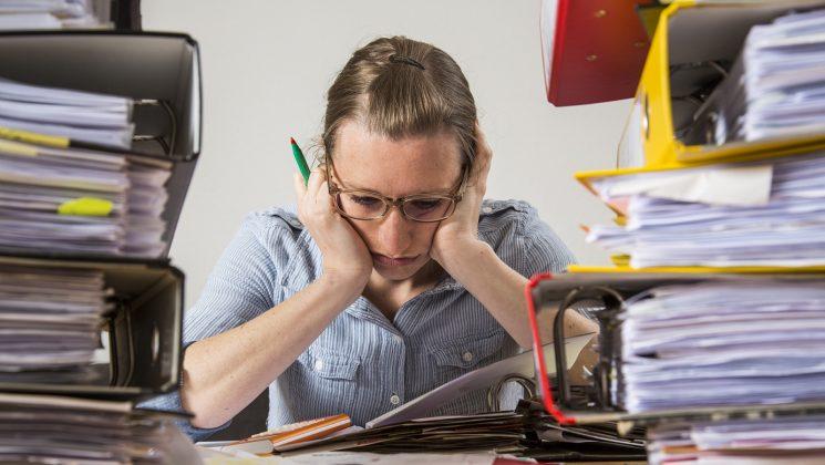 Studie: Jeder Zweite geht krank zur Arbeit