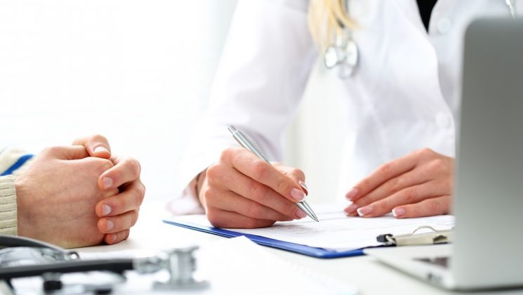 Gesetzliche Krankenversicherung wird günstiger