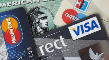 Es gibt vier große Kreditkartenanbieter