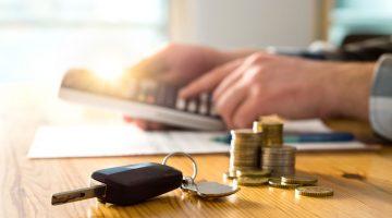 Vor der Aufnahme eines Wohnwagen Kredits muss genau kalkuliert werden, welche Summe man sich leisten kann.