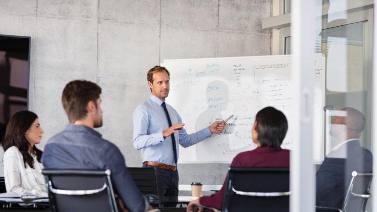 Körperschaftssteuer: Alle Infos für Unternehmer. Aktiengesellschaften, GmbHs und Vereine unterliegen der Koerperschaftssteuer